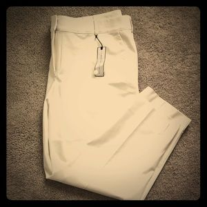 New Listing! NWT White Ankle Pants